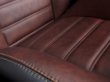 2014-Dodge-Charger-Interior-Detail-2-1500x1000.jpg