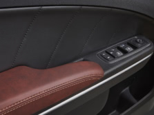 2014-Dodge-Charger-Interior-Detail-5-1500x1000.jpg