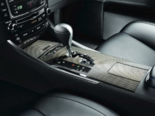 2014-Lexus-IS-F-Center-Console-1500x1000.jpg