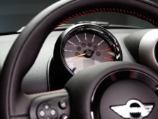2014-MINI-Cooper-Countryman-John-Cooper-Works-SUV-Instrument-Panel-1500x1000.jpg