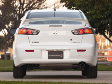 2014-Mitsubishi-Lancer-Sedan-Rear-1500x1000.jpg