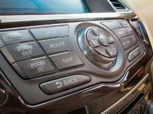 2014-Nissan-Pathfinder-Center-Console-2-1500x1000.jpg