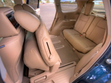 2014-Nissan-Pathfinder-Rear-Interior-1500x1000.jpg