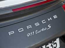 2014-Porsche-911-Turbo-Coupe-Badge-4-1500x1000.jpg