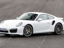 2014-Porsche-911-Turbo-Coupe-Front-Quarter-9-1500x1000.jpg