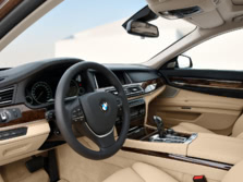 2015-BMW-7-Series-Interior-1500x1000.jpg