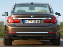 2015-BMW-7-Series-Rear-1500x1000.jpg