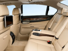 2015-BMW-7-Series-Rear-Interior-1500x1000.jpg