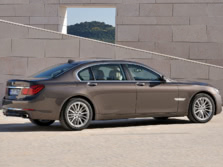 2015-BMW-7-Series-Rear-Quarter-1500x1000.jpg