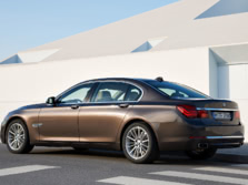 2015-BMW-7-Series-Rear-Quarter-3-1500x1000.jpg