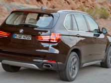 2015-BMW-X5-Rear-Quarter-2-1500x1000.jpg