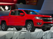 2015-Chevrolet-Colorado-Front-Quarter-4-1500x1000.jpg