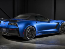 2015-Chevrolet-Corvette-Z06-Convertible-Rear-Quarter-2-1500x1000.jpg