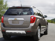 2015-Chevrolet-Equinox-Rear-Quarter-1500x1000.jpg