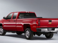 2015-Chevrolet-Silverado-2500-Rear-Quarter-1500x1000.jpg