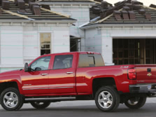 2015-Chevrolet-Silverado-2500-Rear-Quarter-3-1500x1000.jpg