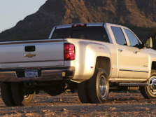 2015-Chevrolet-Silverado-3500-Rear-Quarter-3-1500x1000.jpg
