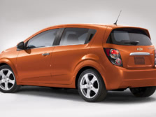 2015-Chevrolet-Sonic-Rear-Quarter-1500x1000.jpg