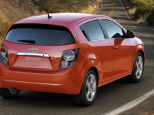 2015-Chevrolet-Sonic-Rear-Quarter-2-1500x1000.jpg
