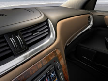 2015-Chevrolet-Traverse-Interior-Detail-1500x1000.jpg