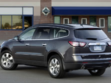 2015-Chevrolet-Traverse-Rear-Quarter-2-1500x1000.jpg