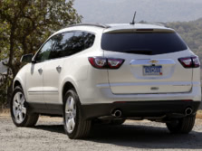 2015-Chevrolet-Traverse-Rear-Quarter-3-1500x1000.jpg