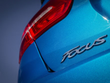 2015-Ford-Focus-Badge-1500x1000.jpg