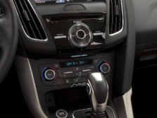 2015-Ford-Focus-Center-Console-1500x1000.jpg