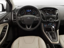 2015-Ford-Focus-Dash-2-1500x1000.jpg