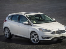 2015-Ford-Focus-Front-Quarter-3-1500x1000.jpg
