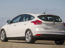 2015-Ford-Focus-Rear-Quarter-2-1500x1000.jpg