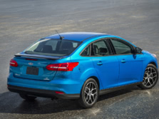 2015-Ford-Focus-Rear-Quarter-3-1500x1000.jpg