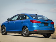 2015-Ford-Focus-Rear-Quarter-4-1500x1000.jpg