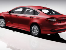 2015-Ford-Fusion-Energi-Plug-In-Hybrid-Sedan-Rear-Quarter-1500x1000.jpg