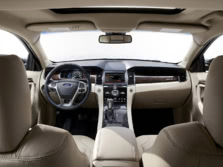 2015-Ford-Taurus-Sedan-Dash-1500x1000.jpg