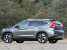 2015-Honda-CR-V-Rear-Quarter-15-1500x1000.jpg