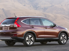 2015-Honda-CR-V-Rear-Quarter-5-1500x1000.jpg