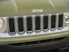 2015-Jeep-Renegade-Badge-7-1500x1000.jpg