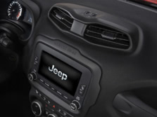 2015-Jeep-Renegade-Center-Console-1500x1000.jpg