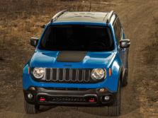2015-Jeep-Renegade-Front-Quarter-31-1500x1000.jpg