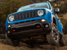 2015-Jeep-Renegade-Front-Quarter-33-1500x1000.jpg