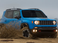2015-Jeep-Renegade-Front-Quarter-42-1500x1000.jpg