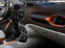 2015-Jeep-Renegade-Interior-Detail-2-1500x1000.jpg