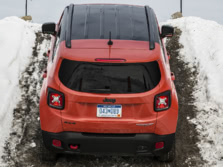 2015-Jeep-Renegade-Rear-11-1500x1000.jpg