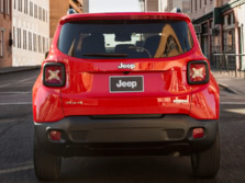 2015-Jeep-Renegade-Rear-1500x1000.jpg