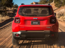 2015-Jeep-Renegade-Rear-3-1500x1000.jpg