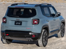 2015-Jeep-Renegade-Rear-Quarter-12-1500x1000.jpg