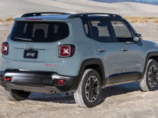 2015-Jeep-Renegade-Rear-Quarter-13-1500x1000.jpg