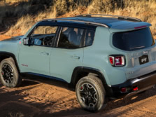 2015-Jeep-Renegade-Rear-Quarter-15-1500x1000.jpg