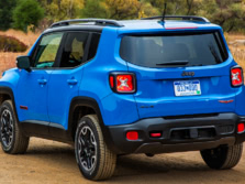 2015-Jeep-Renegade-Rear-Quarter-19-1500x1000.jpg